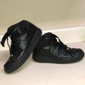 Nike Air Force 1 High 07 in black - Size 8.5